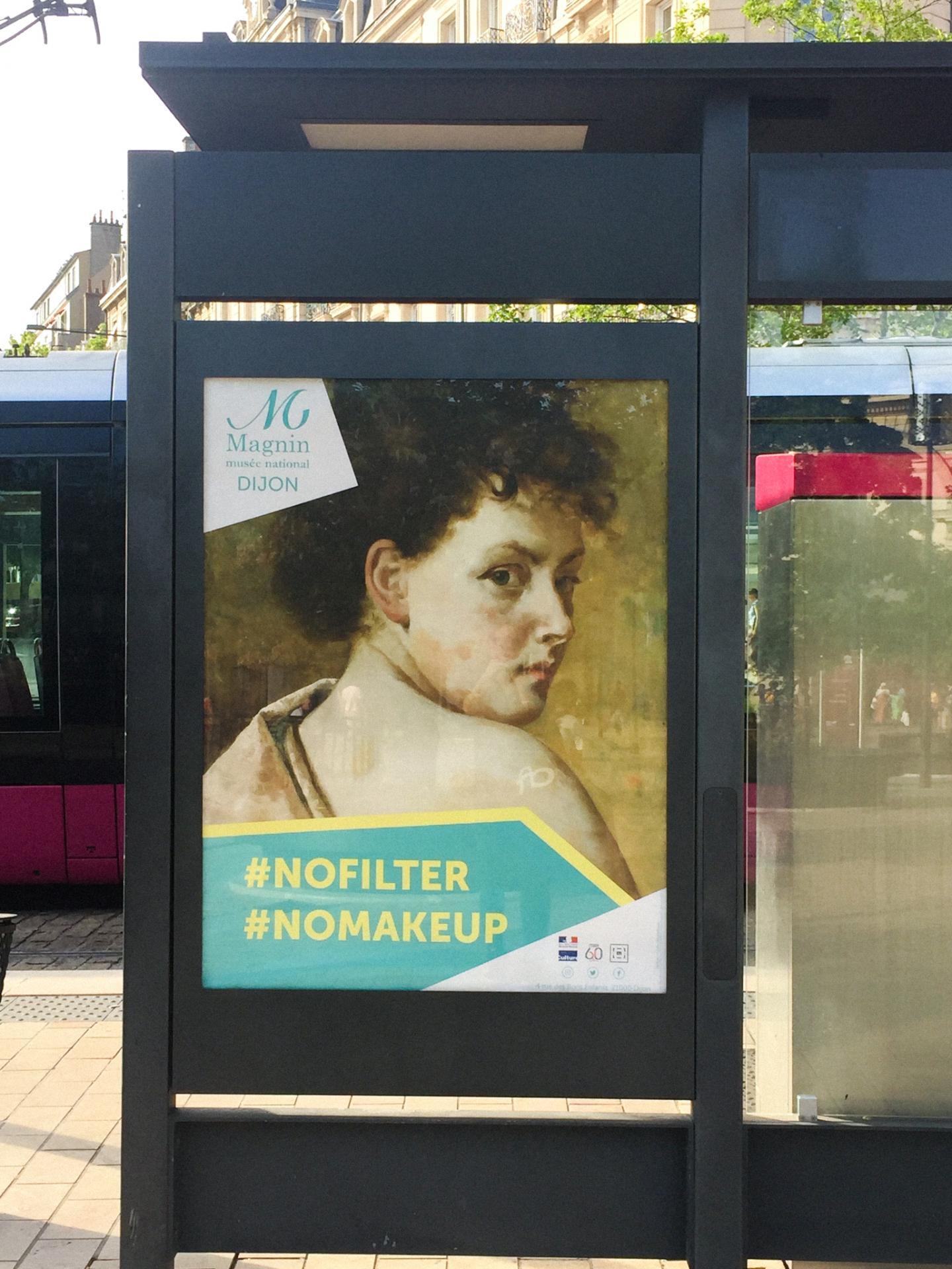 Campagne d'affichage du musée Magnin première affiche dans la rue